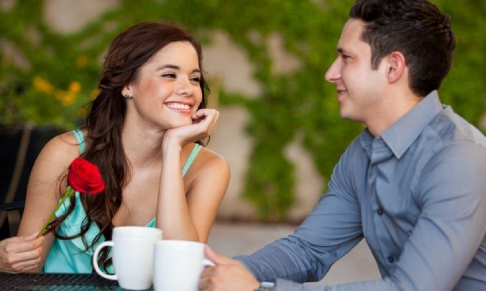 5 things women should ask before meeting for a first date