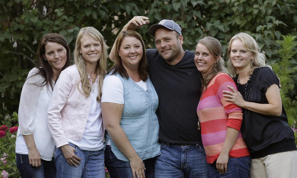 6 Partners New World of Dating Polygamy